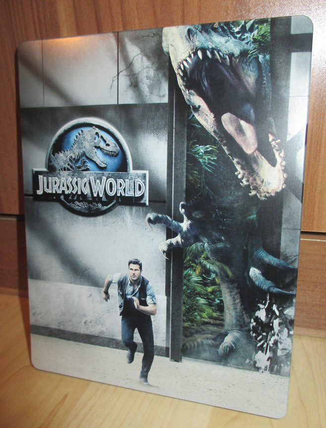 Jurassic-World-saturn-steelbook-1