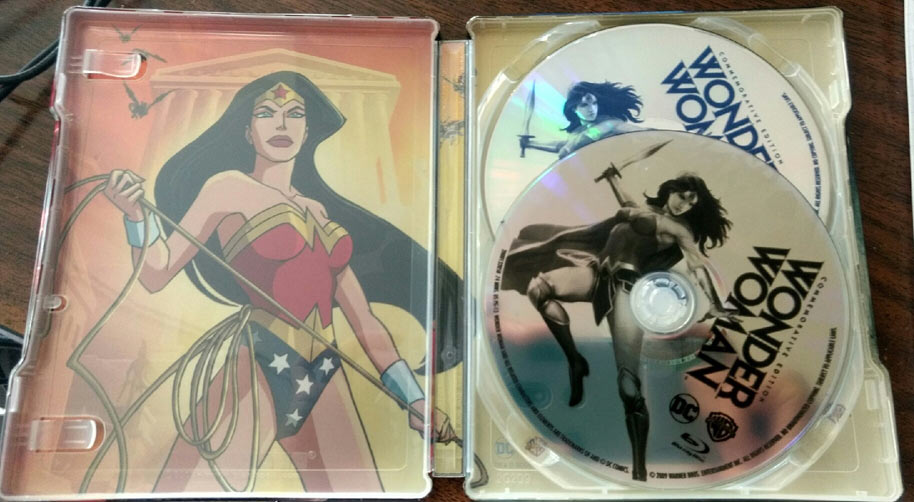 Wonder-Woman-steelbook-3