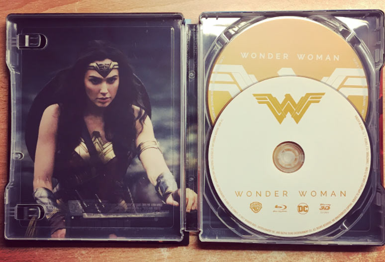 Wonder-Woman-steelbook-mant