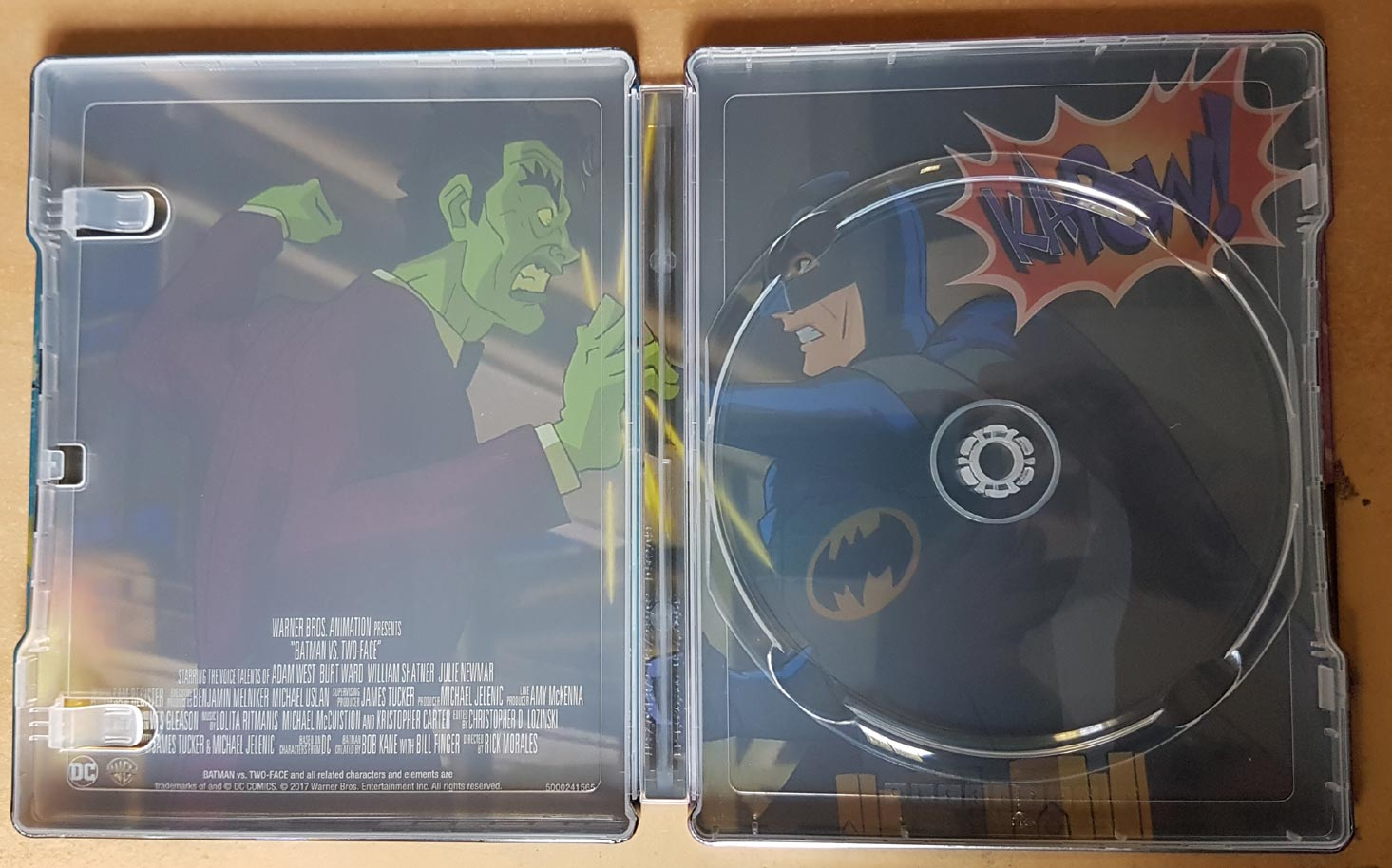 Batman-vs-Two-Face-steelbook 4