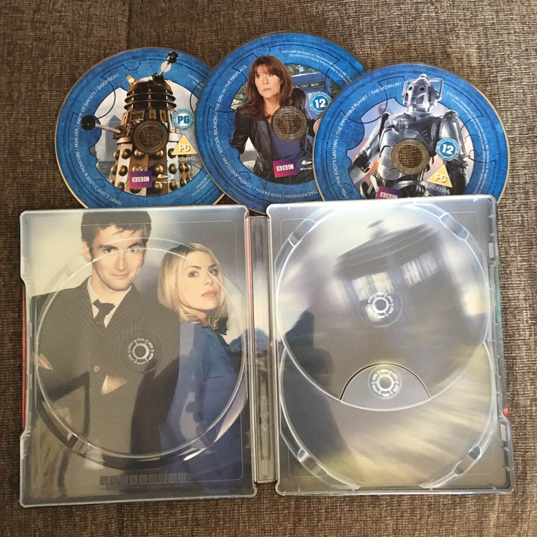 Doctor-Who-season-2-steelbook3