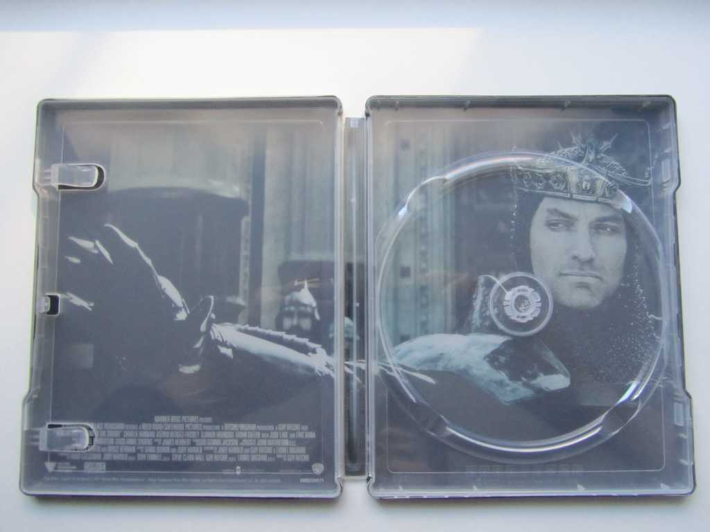 King Arthur steelbook DE 3