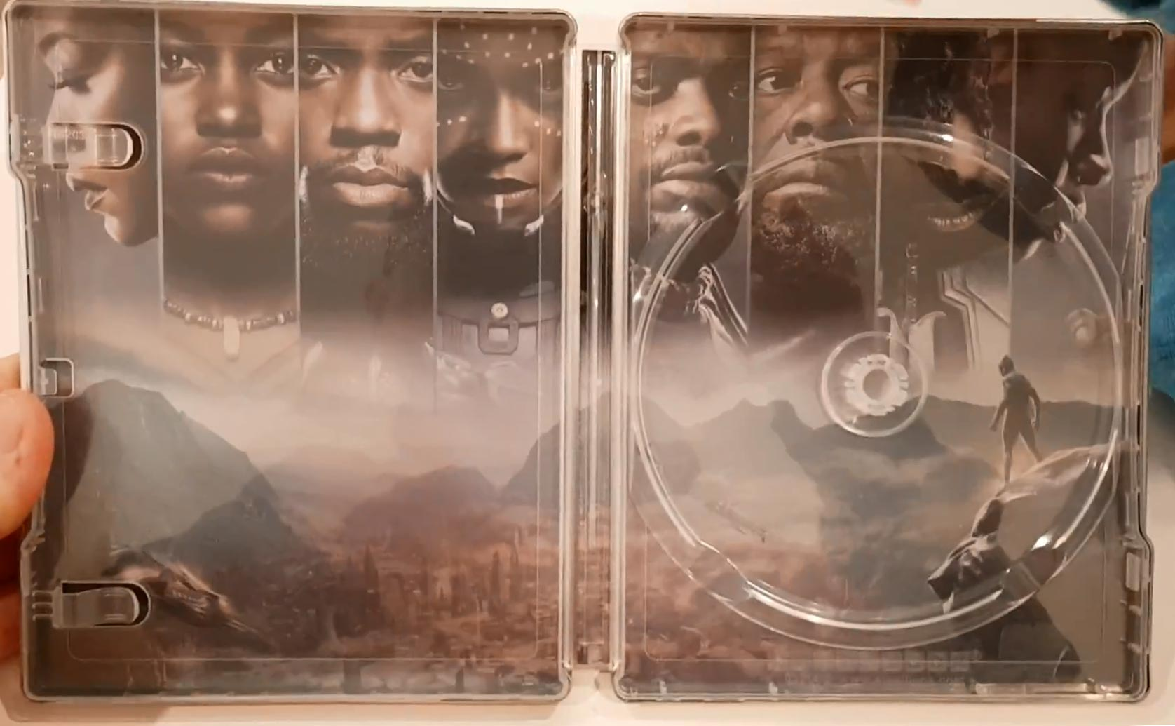 Black-Panther-steelbook-4